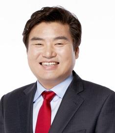 창간축사 원유철 의원.jpg