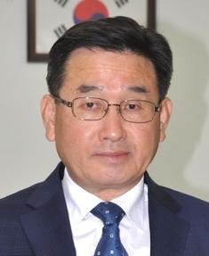 이동훈 회장 창간축사.jpg