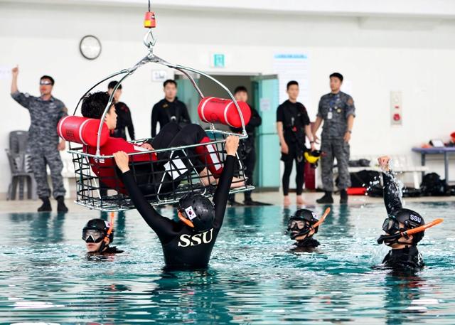 해군 훈련.JPG