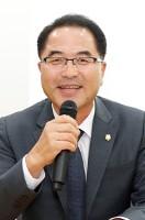 평택로컬포럼6 김승겸 평택시의회 산업건설위원장.JPG
