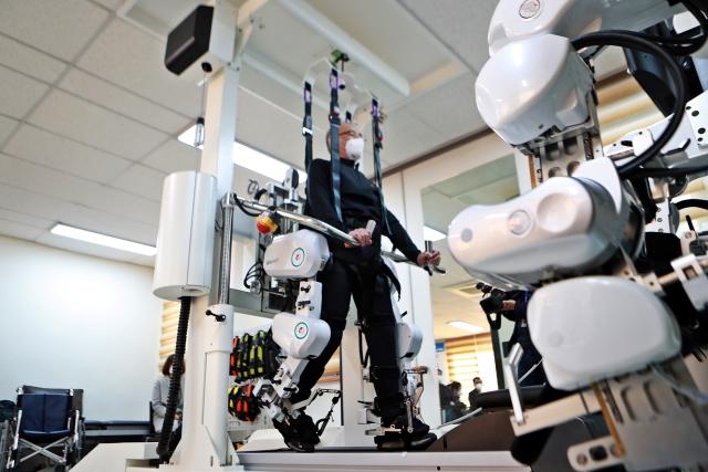 복지환경위 재활로봇2.jpg